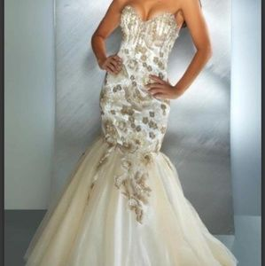 Size 4 MacDuggal Gown